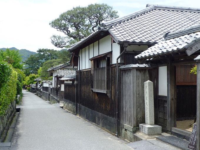 画像:江戸屋横町