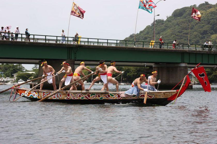 画像:萩の和船大競漕~おしくらごう~